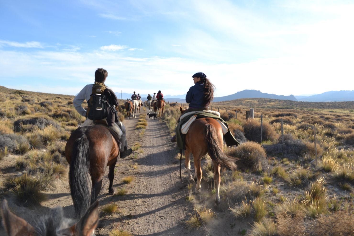 Cabalgata Fotos.La Fragua Horseback Riding Gurutravel Patagonia